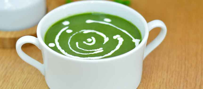Pea and spinach soup picture