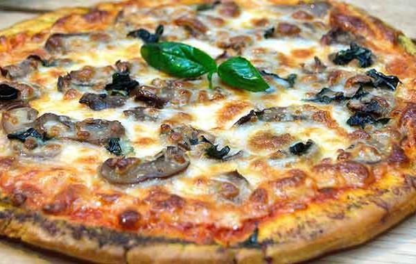 البيتزا بالمشروم بالصور