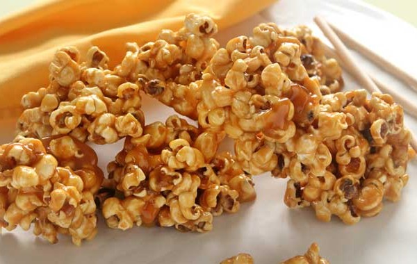 Caramel popcorn picture