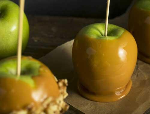 حلى التفاح بالكاراميل 
