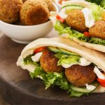 Pita-Sandwich--with-Falafel
